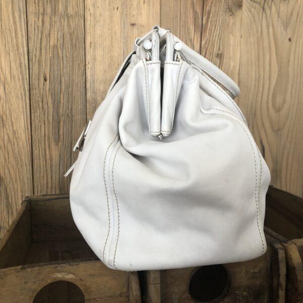 TODs Handtasche weiss 4 scaled - Marilynandhim.com